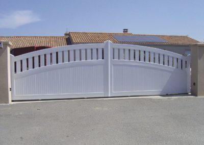 Portail PVC coulissant