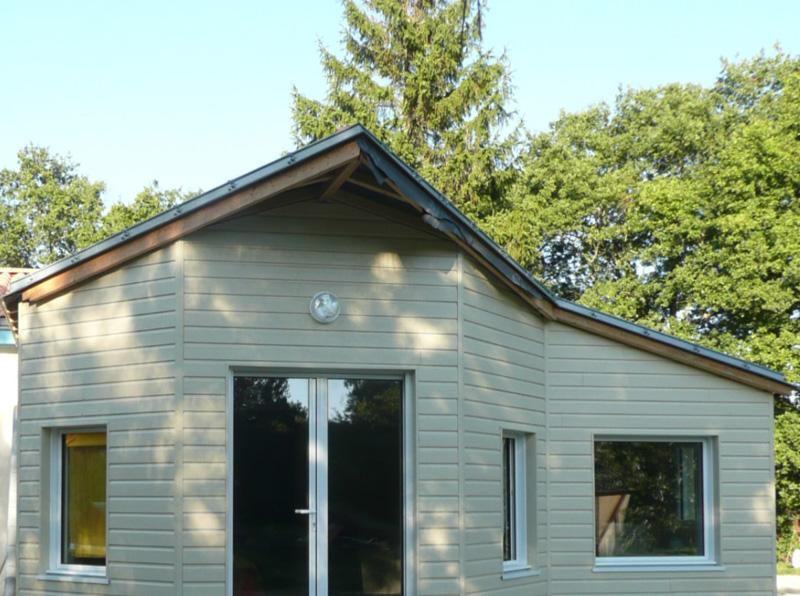 Maison avec bardage bois et ossature bois par la menuiserie à la Roche sur Yon Longin Joel