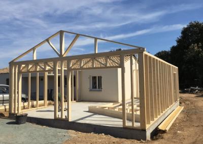 Extension d'une maison en ossature bois par le menuisier yonnais Longin Joel